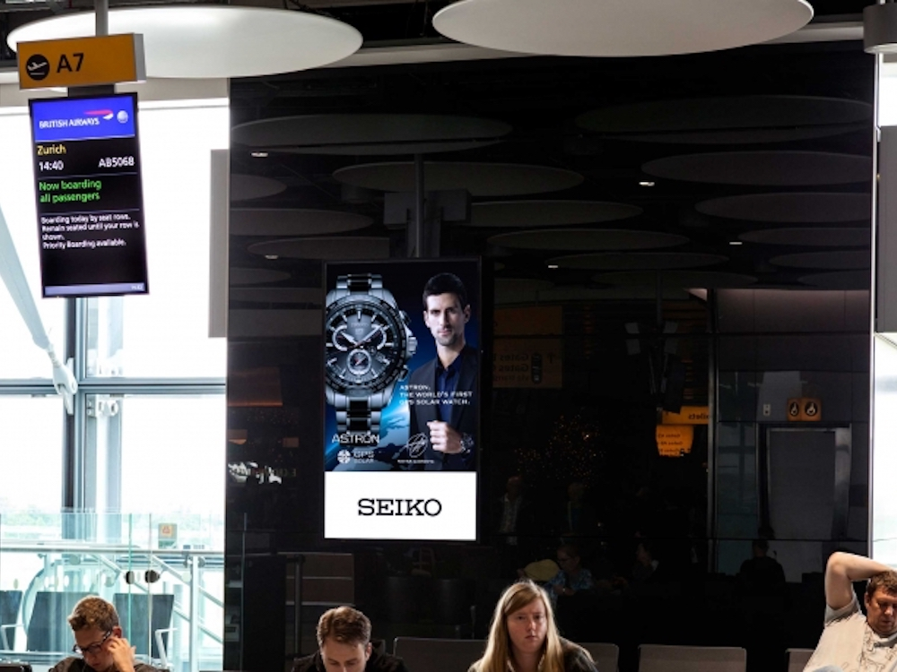 DooH Kampagne von Seiko am Airport Heathrow (Foto: JCDecaux)