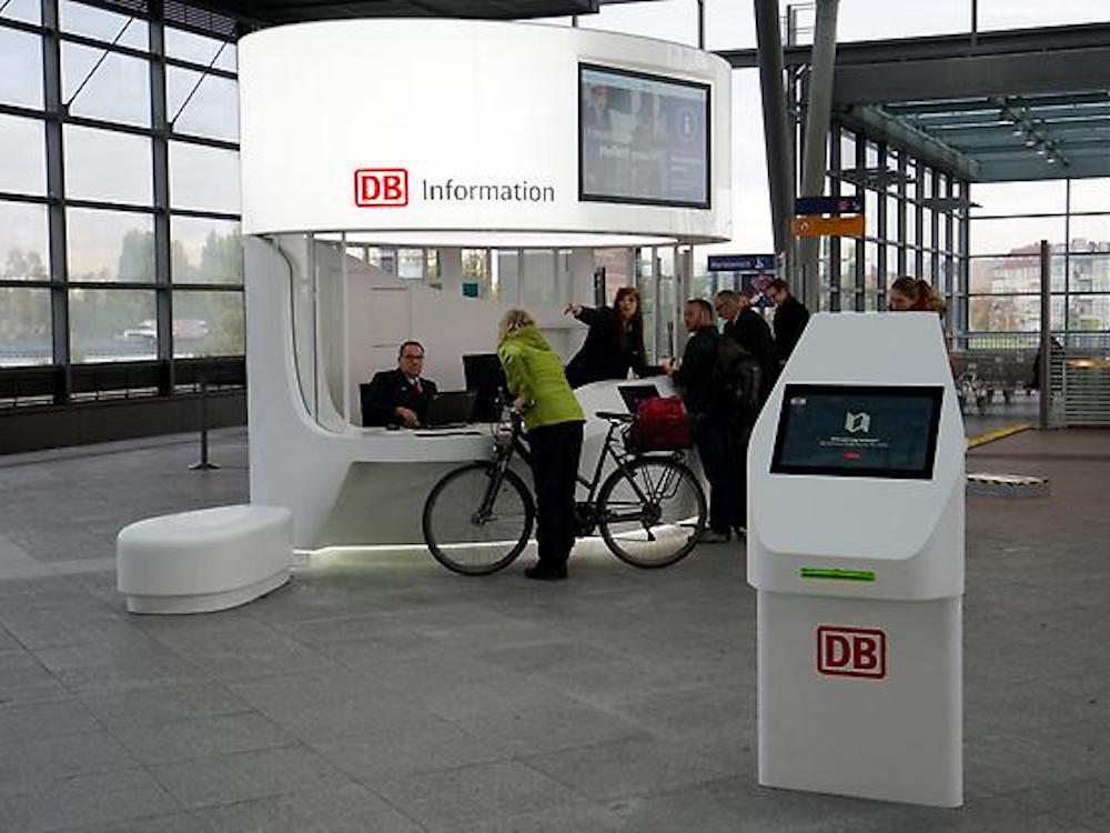 Erstes offizielles Foto der neuen DB Information (Foto: Deutsche Bahn)