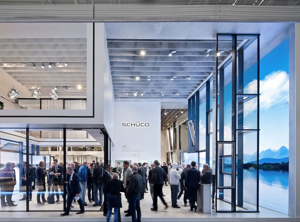 Insgesamt 2.400 qm an Ausstellungsfläche – Stand von Schüco auf der BAU 2017 (Foto: Gahrens + Battermann / Lukas Palik)