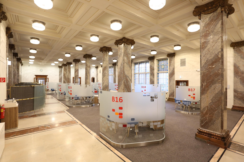 Schalterhalle der neuen Flagship-Filiale in Graz (Foto: Bank Austria)