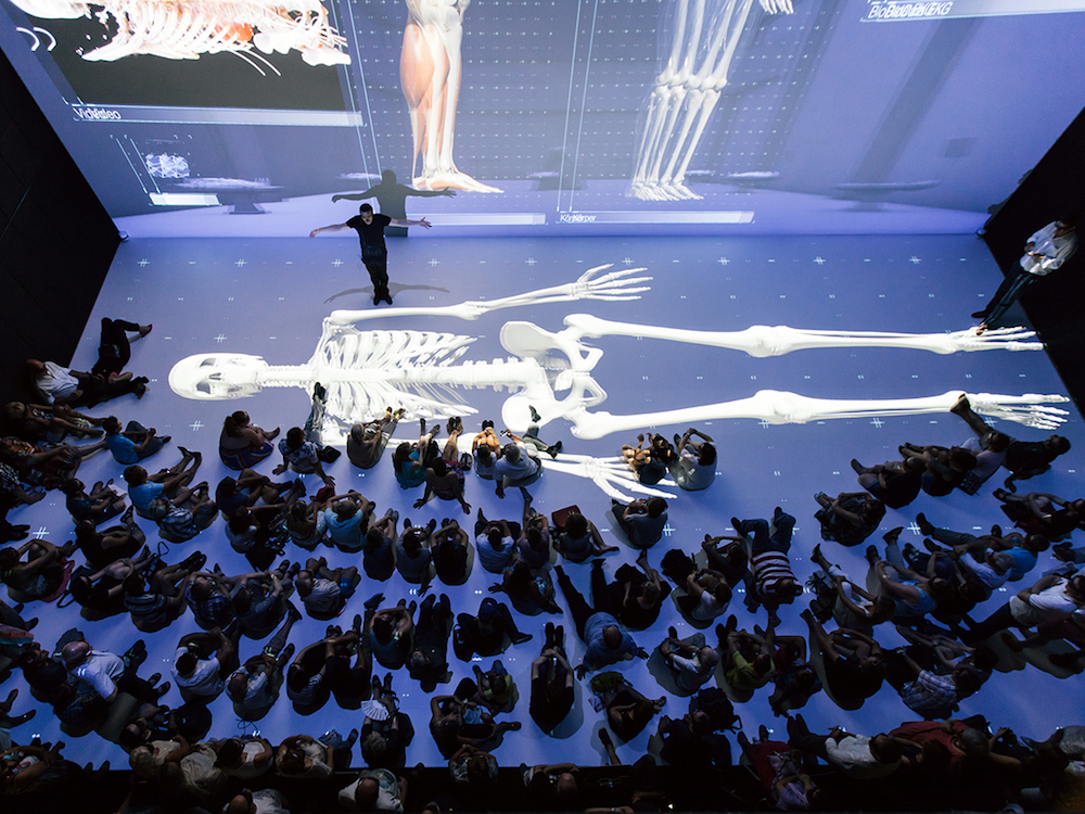 Der Deep Space in Linz begeistert Zuschauer mit Visualisierungen in 8K (Foto: Christie)
