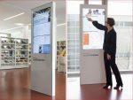 Digital Signage Stelen in der Stadtbibliothek in Giesing (Fotos: Eva Jünger / Münchner Stadtbibliothek)