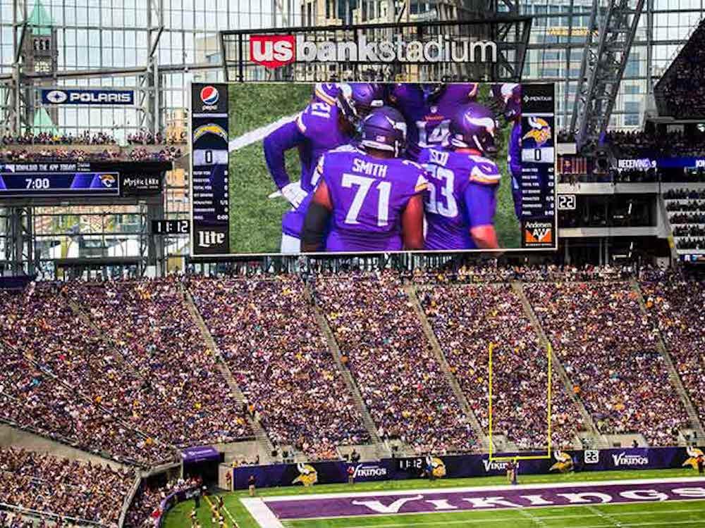 EDC Inhalte auf einem LED Screen der Minnesota Vikings (Foto: Daktronics)
