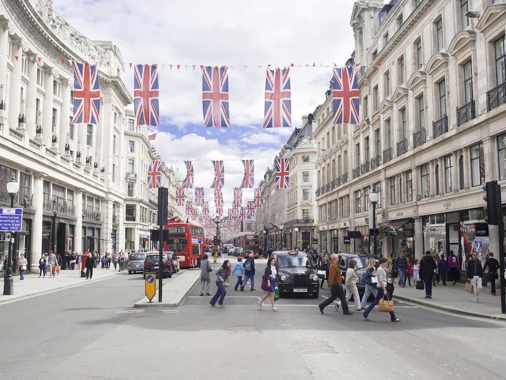 Lieber Offline als Online – was britische Verbraucher wollen (Foto: Mood Media)
