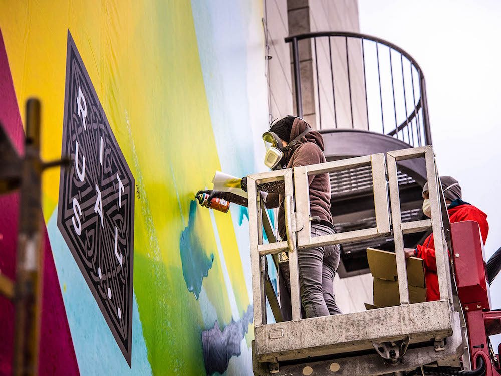Live Aktion – MadC arbeitet am Werbe-Graffiti (Foto: blowUP media)