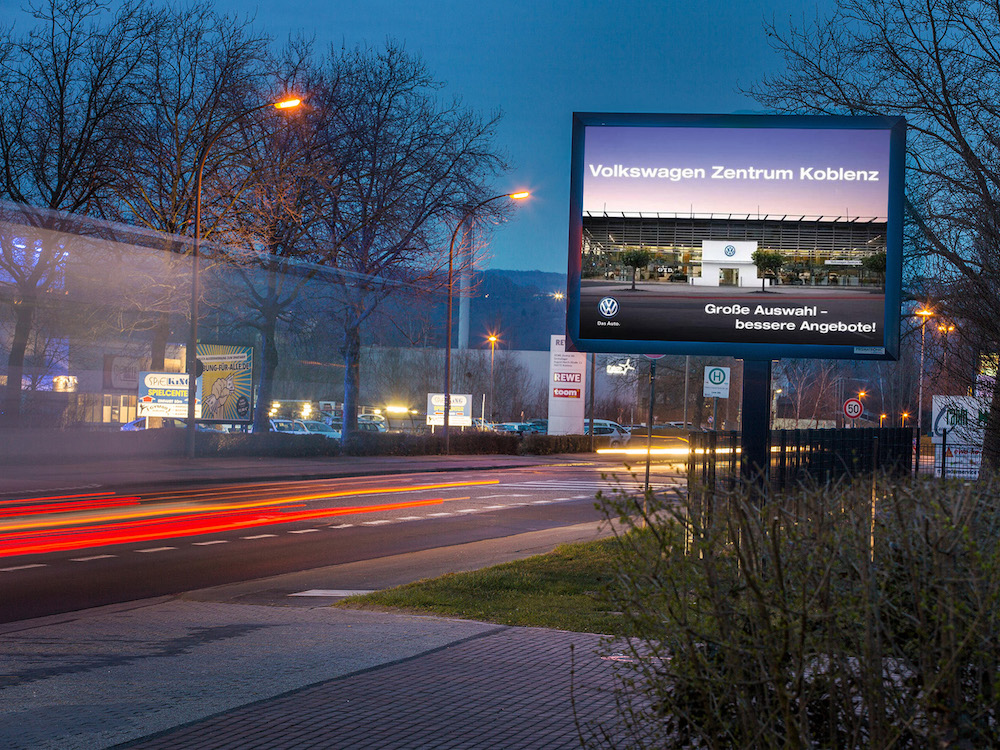 dooh deutschland awk startet in koblenz mit digital. Black Bedroom Furniture Sets. Home Design Ideas
