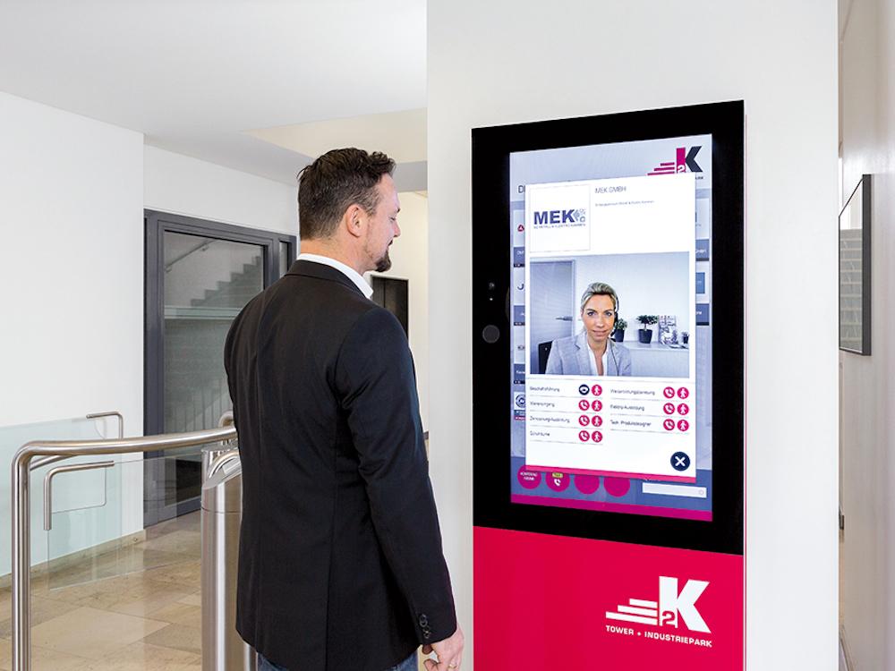 Der Digitale Portier ermöglicht Videokommunikation zwischen Besuchern und Firmen (Foto: Vangenhassend)