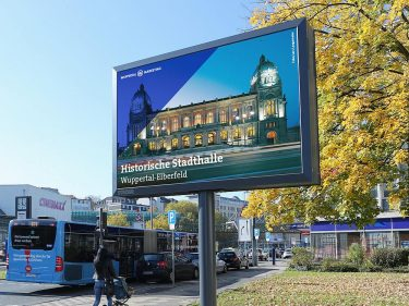 Roadside LED Screen von Ströer in Wuppertal (Foto: Ströer)