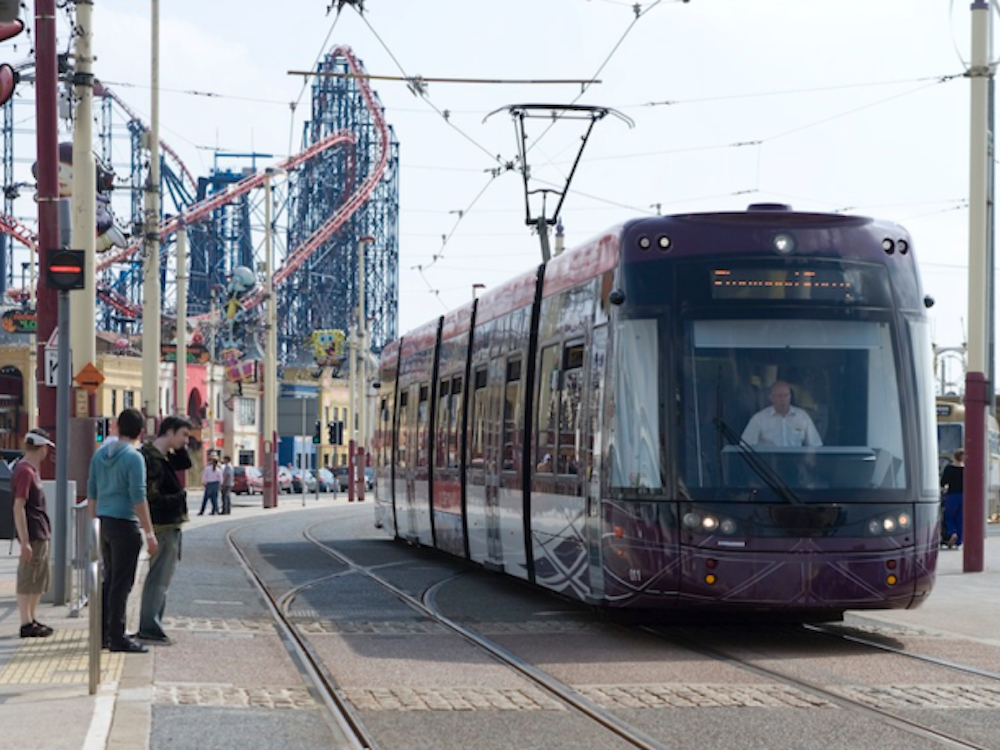 Strassenbahnhaltestelle in Blackpool (Foto: Exterion Media)