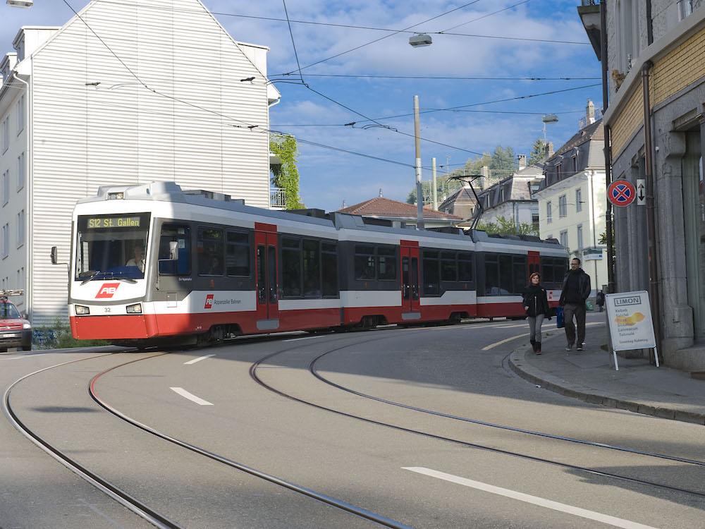 Zug der AB auf der Linie St. Gallen – Trogen (Foto: Appenzeller Bahnen)