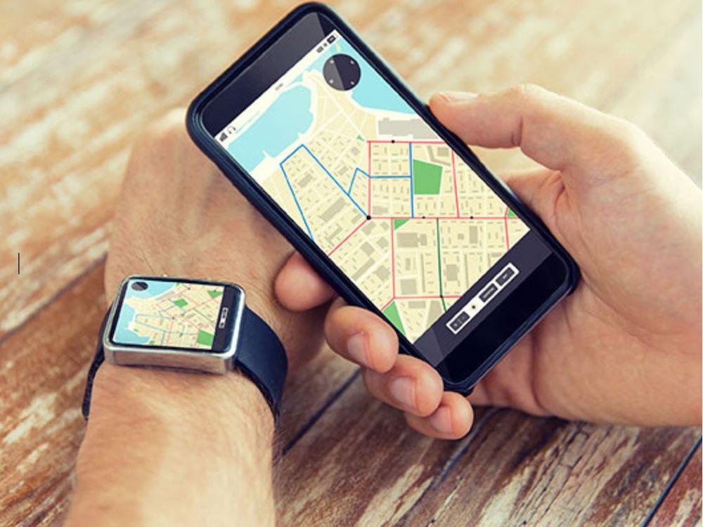 Auf der Smartwatch lässt sich das E Paper Display gut unter Umgebungslicht nutzen (Foto: ClearInk)