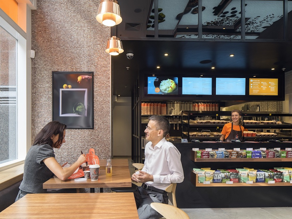 Digital Menu Boards in einem Quick Service Restaurant (Foto: ONELAN)