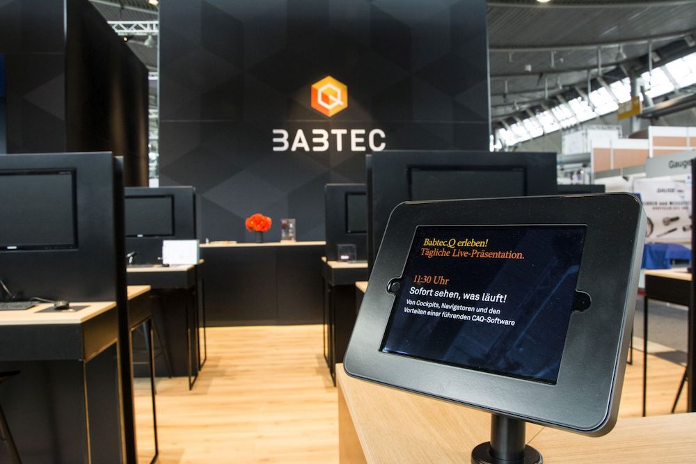 Bei Babtec kamen eine 3x3 Video Wall und ein iPad zum Einsatz (Foto: Gahrens + Battermann)
