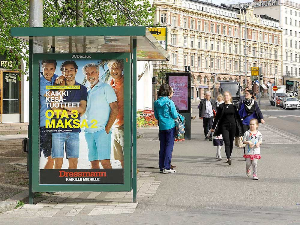 CLP und DooH-Screen an einer Bushaltestelle in Helsinki (Foto: JCDecaux)