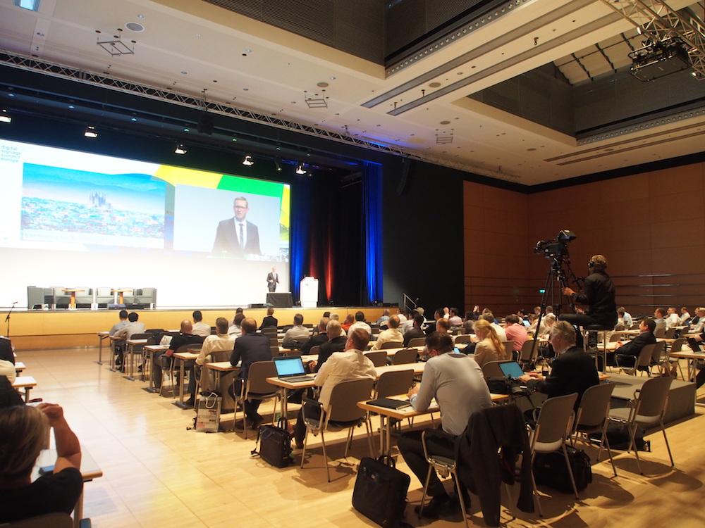 Die Keynote zum Thema Smart Cities hielt Florian Rotberg (Foto: invidis)