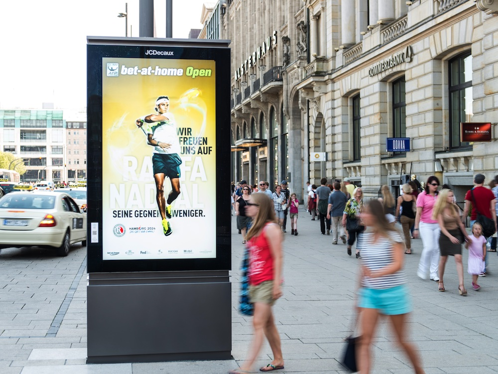 DooH Screen von JCDecaux in Hamburg (Foto: JCDecaux)