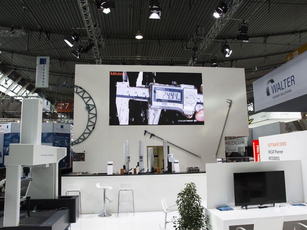 Video Wall fuer Mitutoyo auf der diesjährigen Control (Foto: Gahrens + Battermann)
