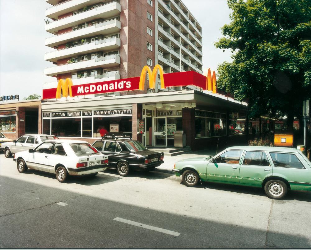 Erster McDonalds in Deutschland - damals noch ganz undigital (Foto: mcDonalds)