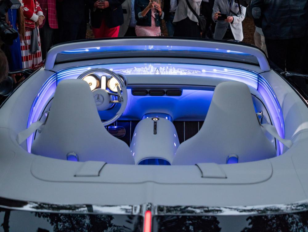 Displayband im Vision Mercedes-Maybach 6 Cabriolet (Foto: Daimler)