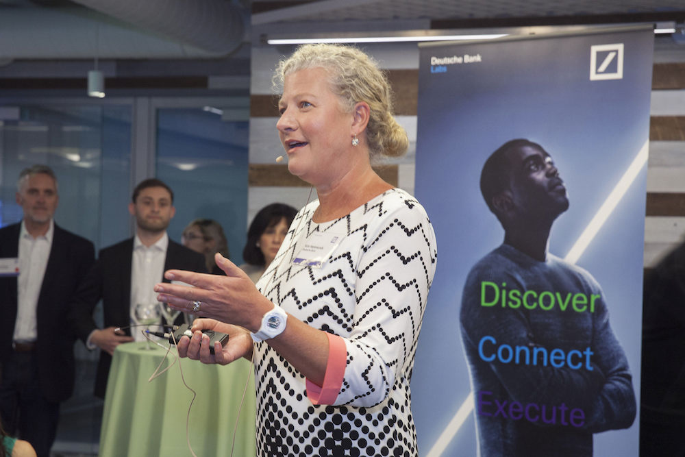 DEroeffnung des Labs im Silicon Valley durch COO und IT und Technologiechefin Kim Hammonds (Foto: Deutsche Bank)