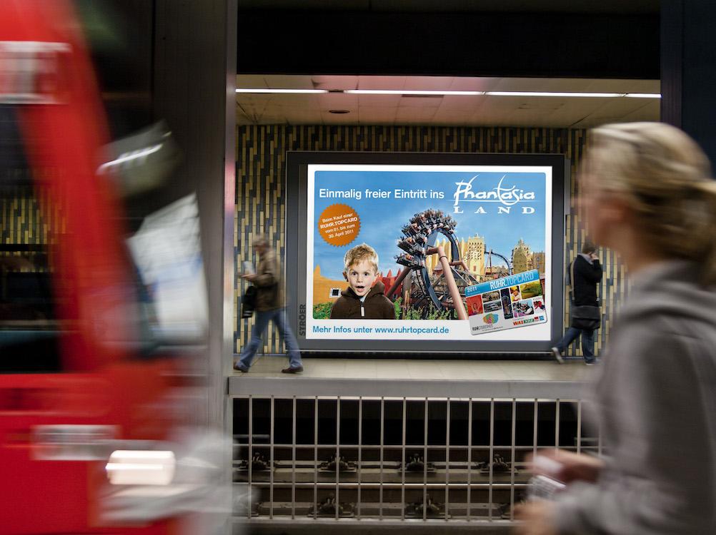 Werbeträger – Megalight in Köln (Foto: Ströer)