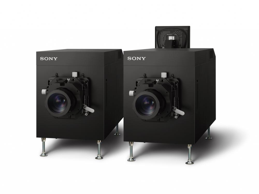 Bei den Projektoren der Serie SRX-R800 ist ein Doppel-Projektionssystem das Spitzenmodell (Foto: Sony)