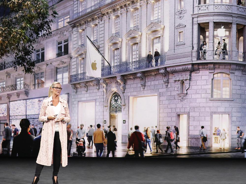 Vorhang auf für die neuen Stores– Angela Ahrendt präsentierte das Retail Konzept (Foto: Apple)