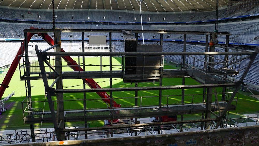 Auf den Rückseiten der Displays sorgen Video Walls dafür, dass die Zuschauer nichts verpassen können (Foto: Allianz Arena)
