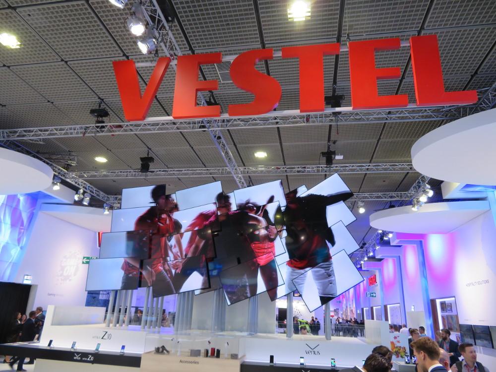 IFA 2017: Vestel präsentiert breites Digital Signage Angebot mit mehr als 20 professionellen Displays (Foto: invidis)