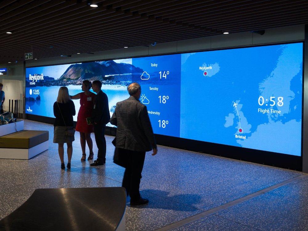 Digital Wall am Airport in Bristol (Foto: infiLED EM International)