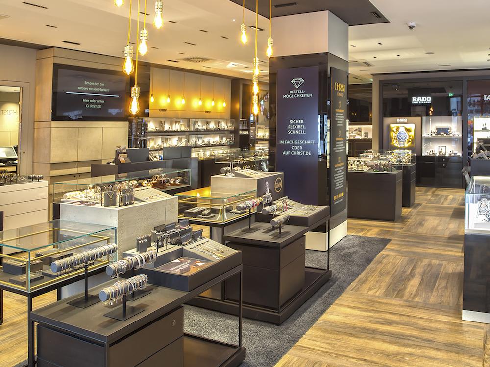 Frontansicht des neuen Stores vom Eingang aus gesehen (Foto: Christ)
