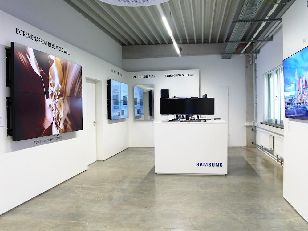 Im neuen Showroom zeigt Samsung Produkte und Prototypen aus verschiedenen Produktkategorien (Foto: Samsung)