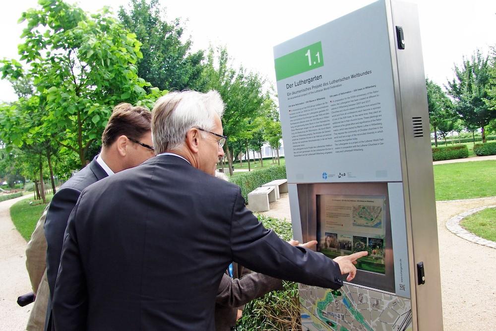 Interaktionen werden an den Stelen via Touch ausgeführt (Foto: EIKI)