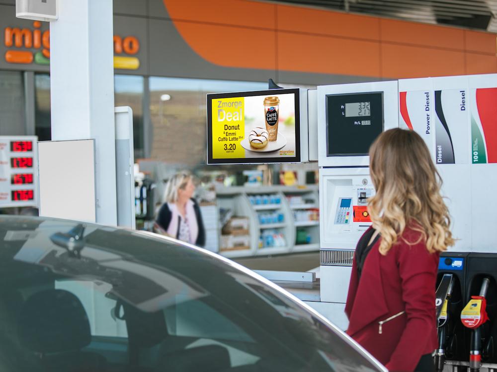 Programm von gasstationtv an einer Schweizer Tankstelle (Foto: gasstationtv)