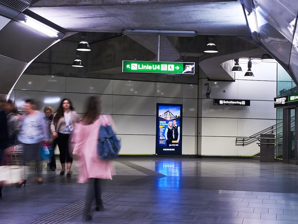 CLP in der U-Bahnstation Schottenring (Foto: Gewista)