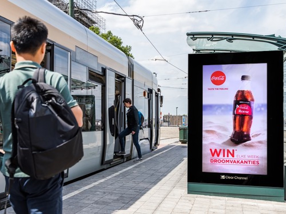 City Play-Netz in Belgien – ab einer bestimmten Temperatur wurde Coke beworben (Foto: Clear Channel)