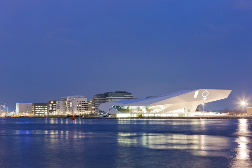 Das EYE Filmmuseum in Amsterdam wird als Projektionsfläche der siegreichen Beiträge genutzt (Foto: EYE)