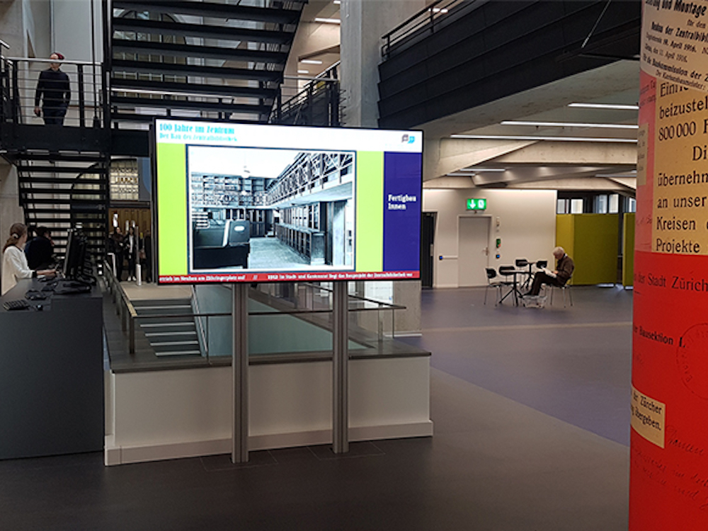 Doppelseitiger Ultra HD Screen in der ZB Zürich (Foto: SwissScreen)