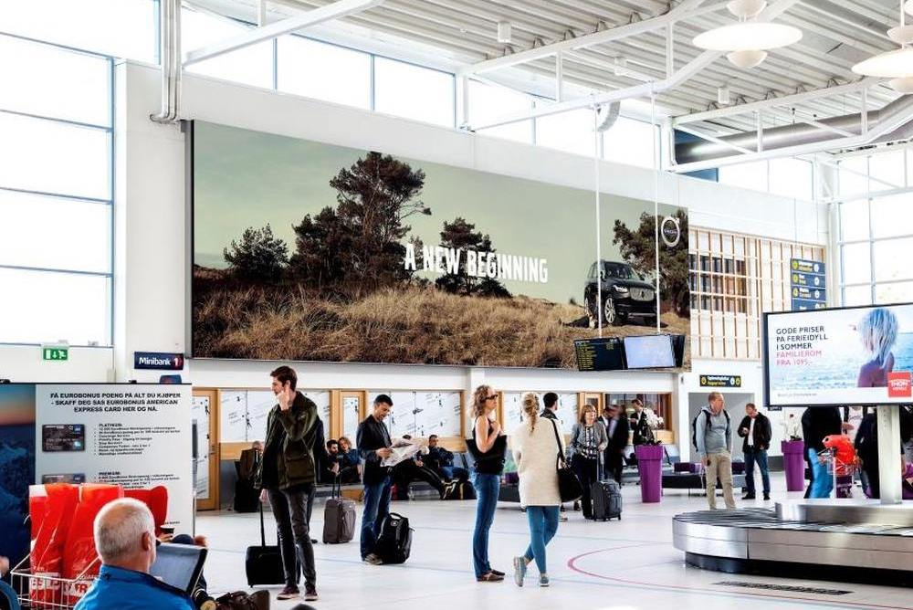 LED Screen am Airport Sola in Stavanger (Foto: Absen)