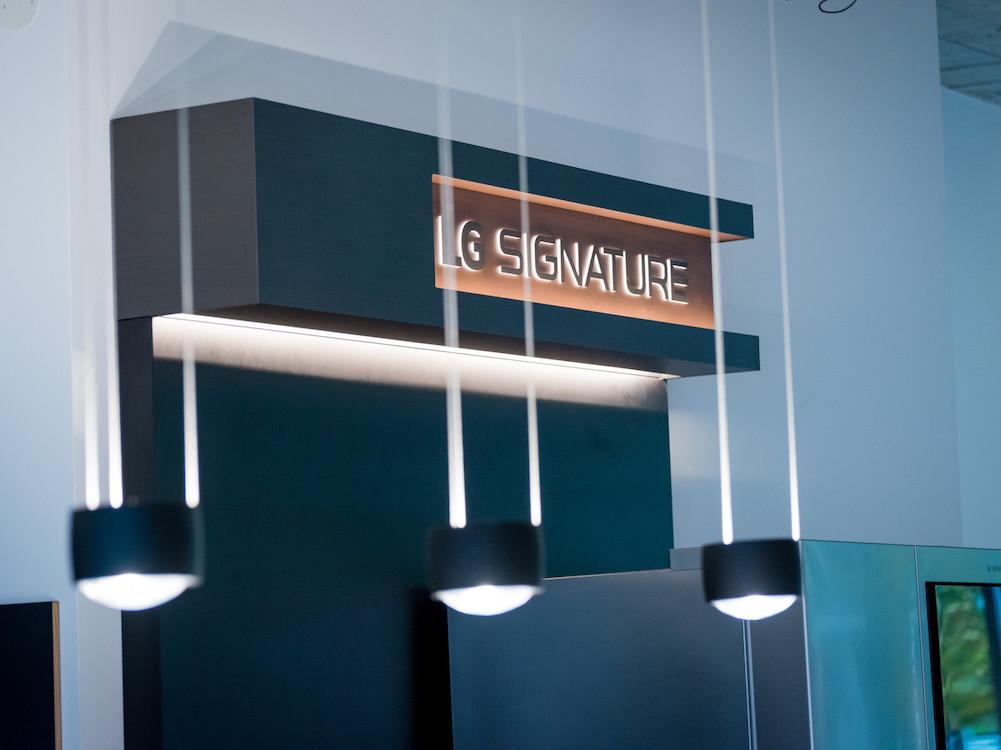 LG Signature-Kühlschrank in der neuen Thonet Concept Gallery (Foto: LG)