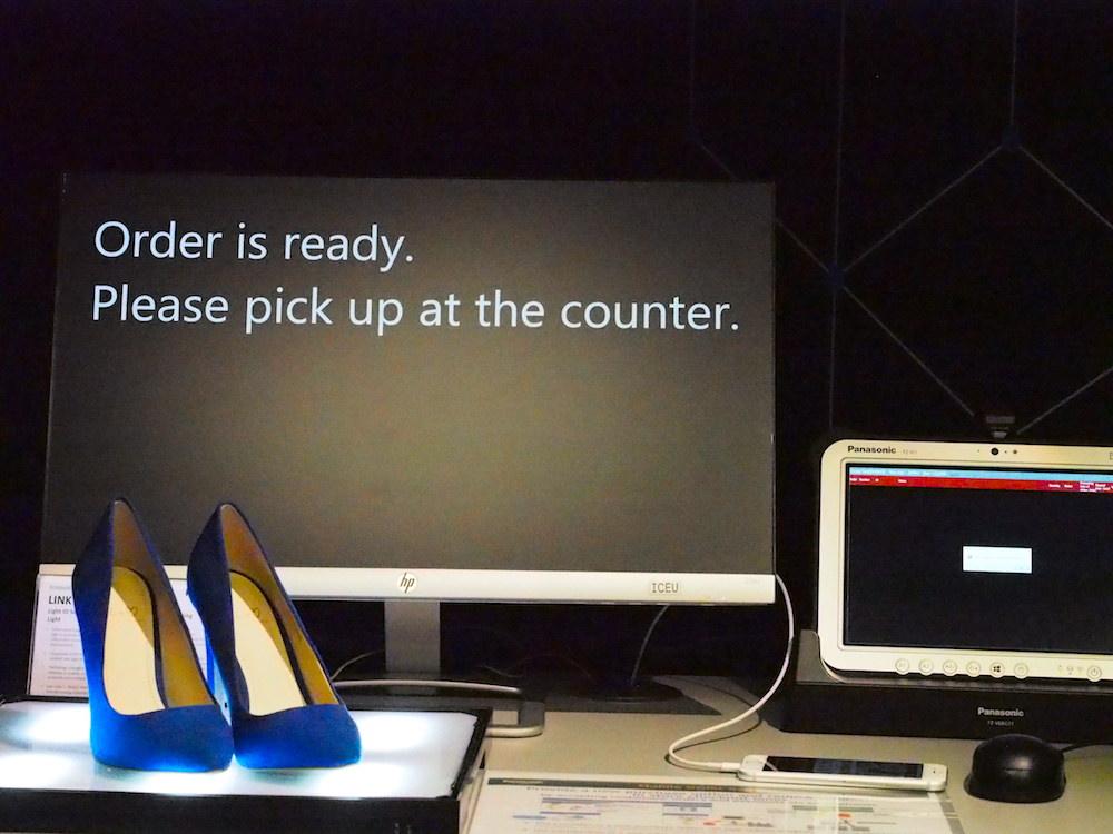 Verschiedene Retail-Szenarien werden im Showroom gezeigt (Foto: invidis)