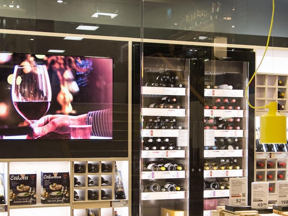 Von Zeta umgesetztes Projekt in den Nordics – ein Alko Store in Finnland (Foto: Zeta Display)