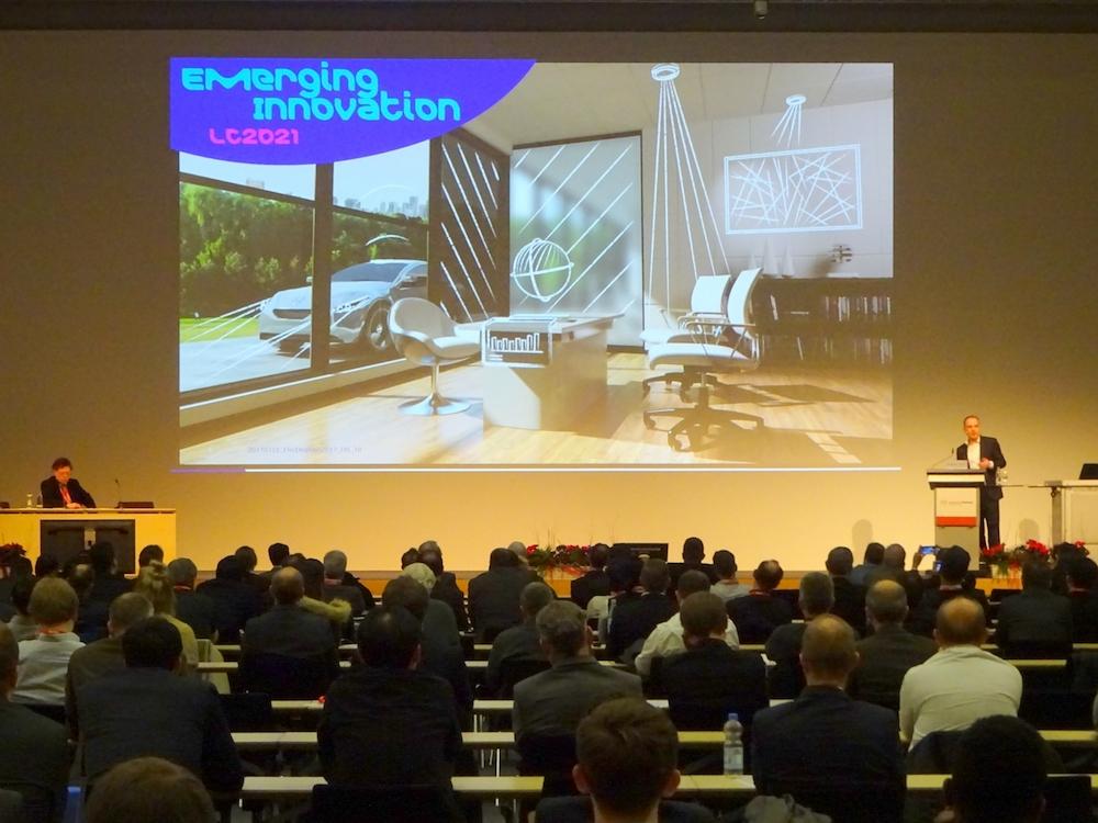 Vortrag auf der EDC 2017 (Foto: Electronic Displays Conference)