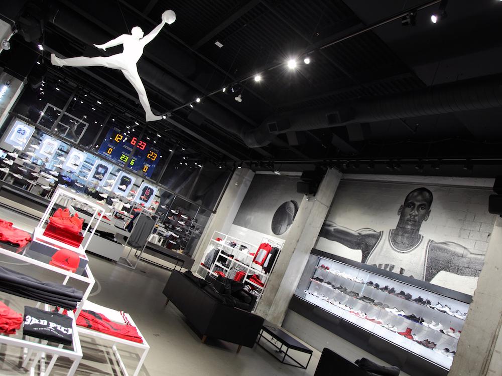 Zahlreiche Gimmicks machen den Air Jordan Flagship zu einer modernen Spielwiese (Foto: Advanced)