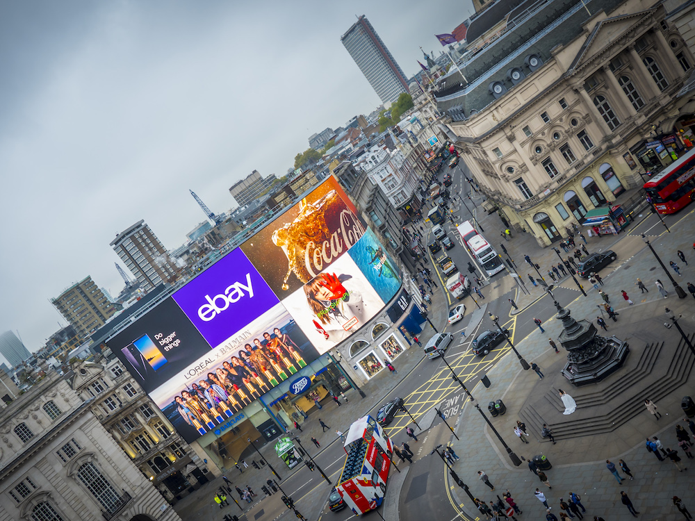 Die neuen Piccadilly Lights machen dem Platz alle Ehre (Foto: Ocean Outdoor)