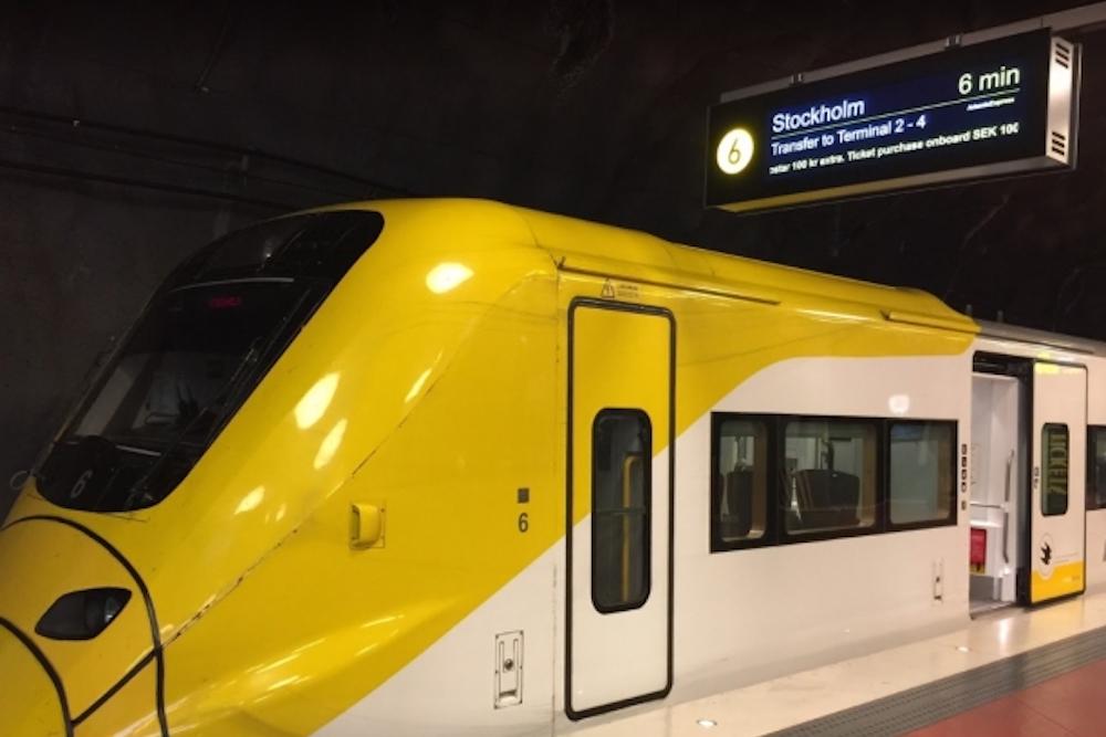 Digital Signage beim Arlanda Express – hohe Luminanz und ein hohes Kontrastverhältnis gehören zu den Eigenschaften (Foto: Infinitus)