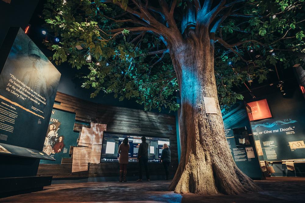 Digital Signage im Museum– Liberty Tree und interaktive Screens Foto: Electrosonic / Bluecadet)