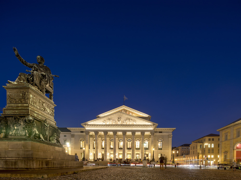 Nationaltheater am Abend (Foto: Osram)