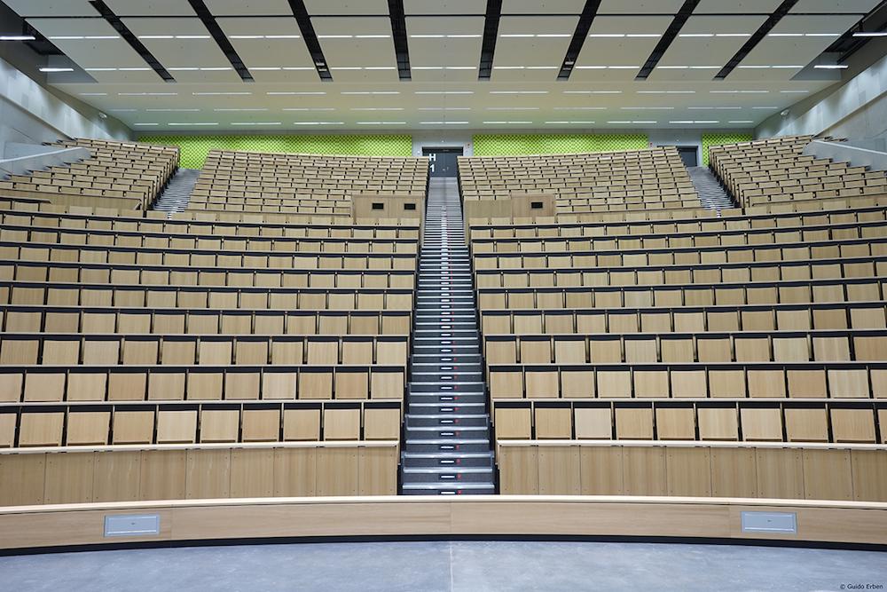 Insgesamt 28 Hörsäle und Seminarräume wurden ausgestattet (Foto: Guido Erben)