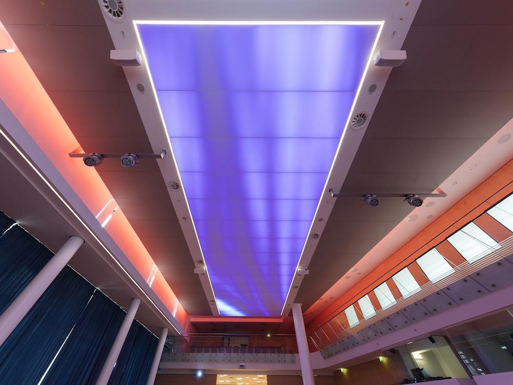 Je nach Anlass werden unterschiedliche Lichtstimmungen benötigt (Foto: Philips Lighting / Jörg Hempel. https://joerg-hempel.com/)